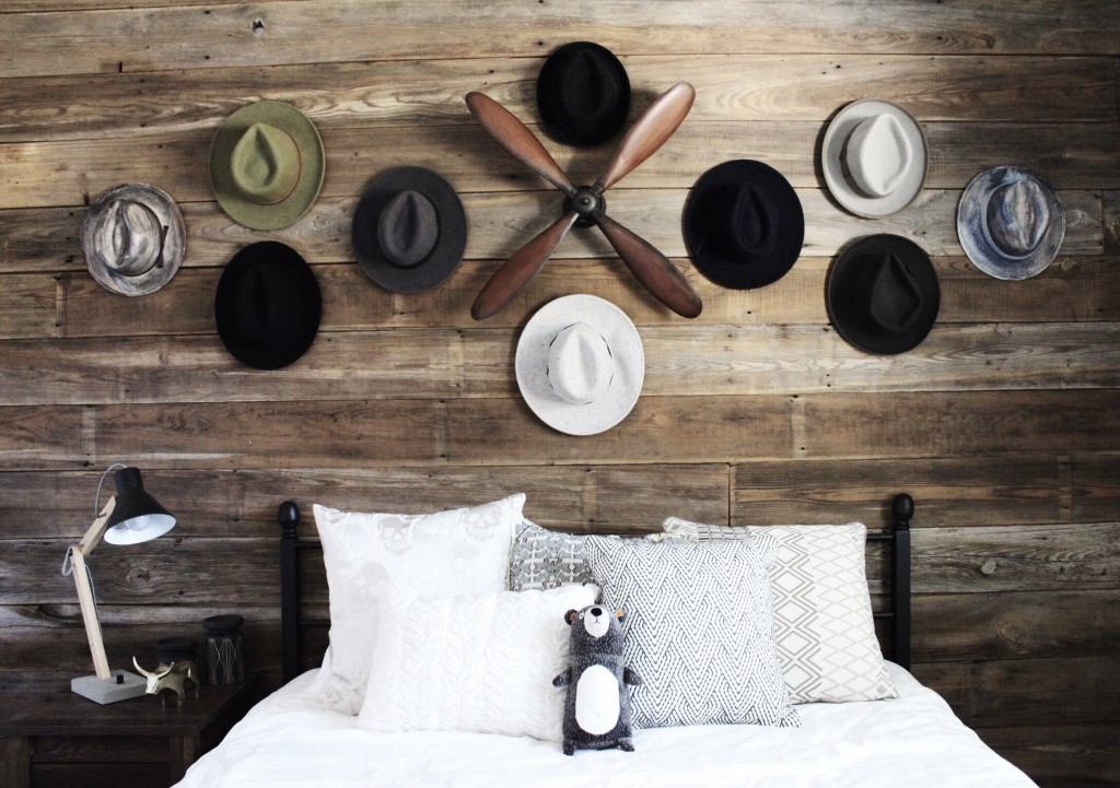 DTKAustin gives you a peek inside her newly renovated house focusing on her latest guest room update with Joss & Main. Click for more information and photos.