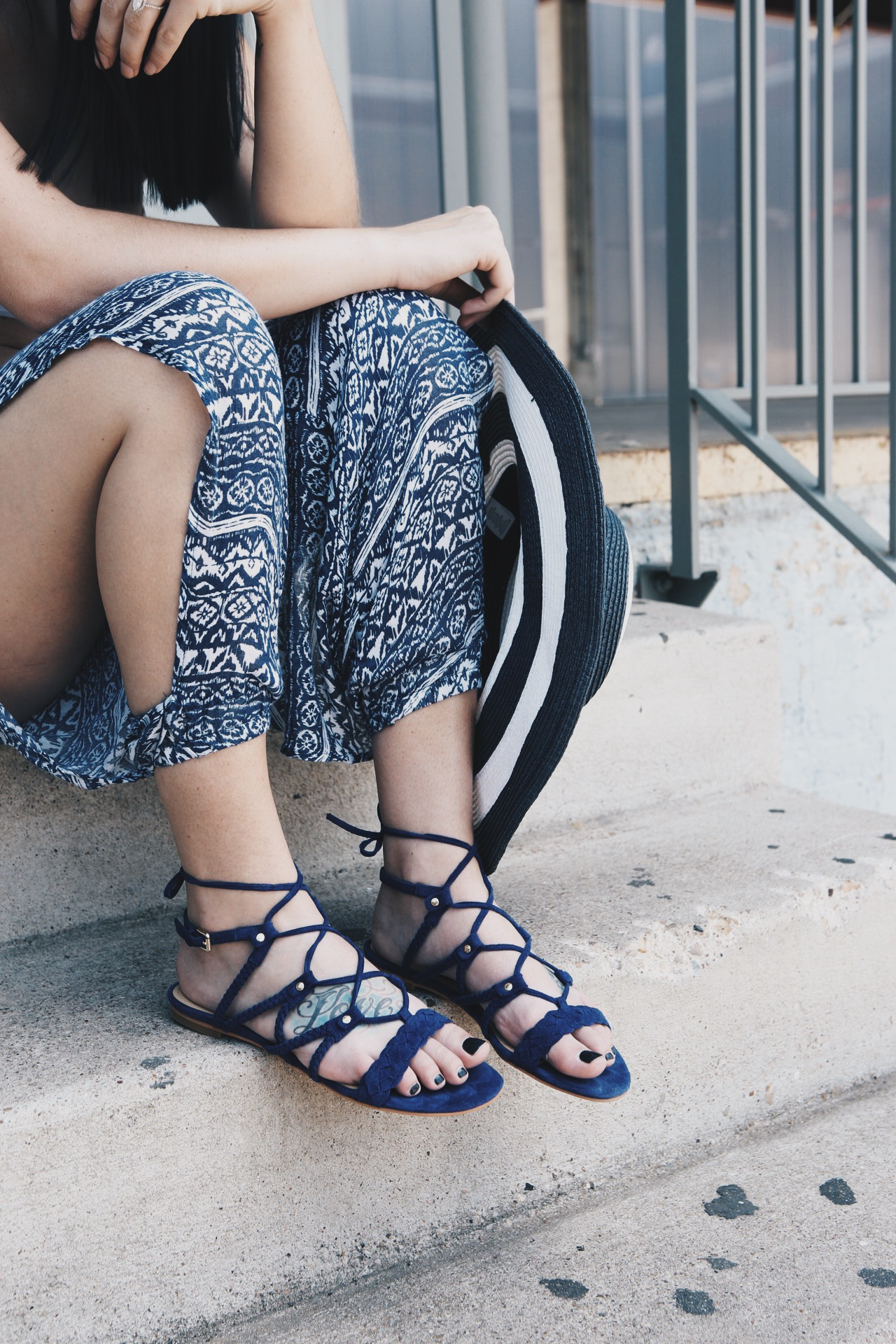 Must Have Summer Shoes | shoes for summer | shoe styles for summer | summer fashion tips | summer outfit ideas | summer style tips | what to wear for summer | warm weather fashion | fashion for summer | style tips for summer | outfit ideas for summer || Dressed to Kill