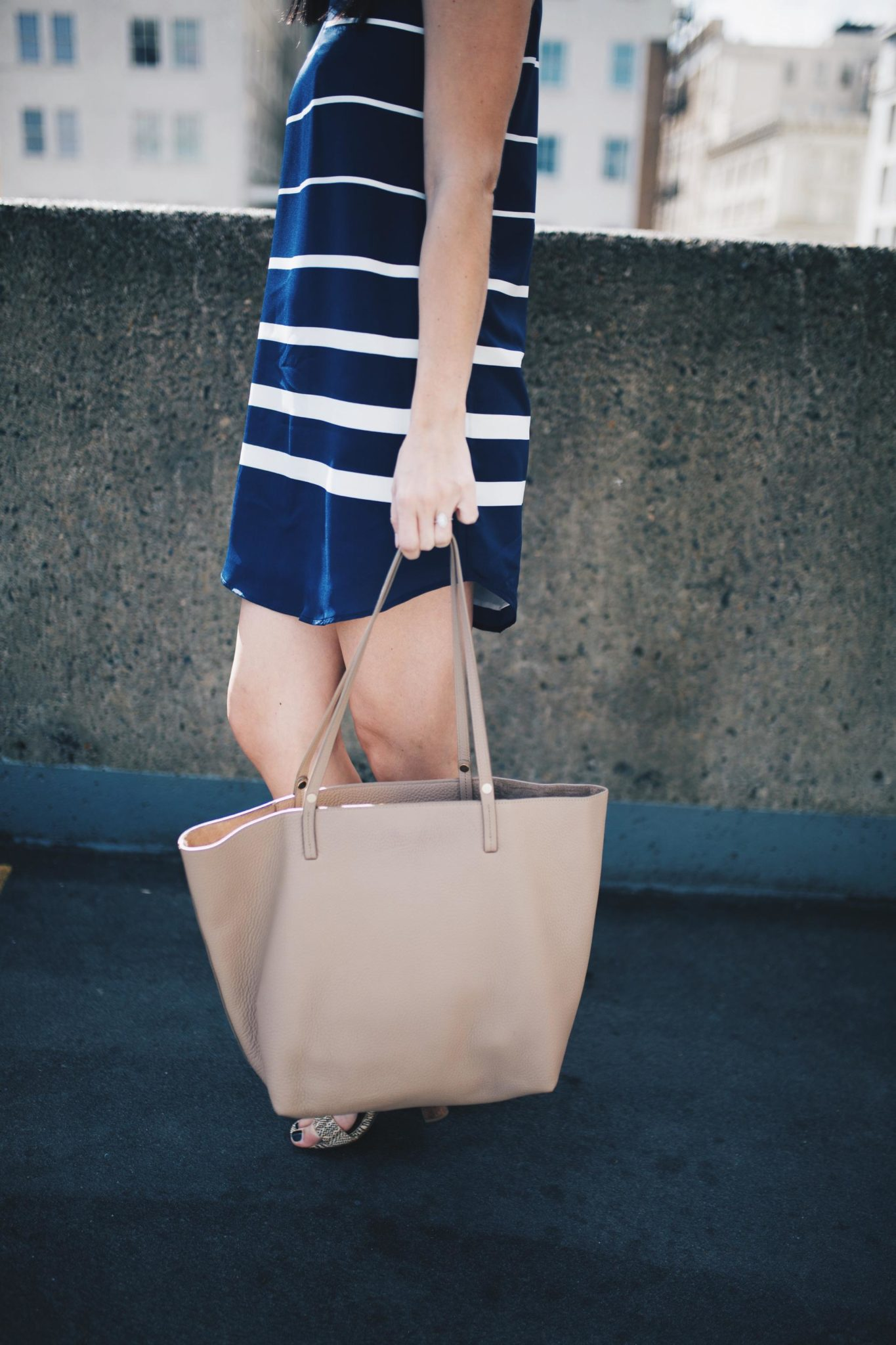 Striped Dress | summer fashion tips | summer outfit ideas | summer style tips | what to wear for summer | warm weather fashion | fashion for summer | style tips for summer | outfit ideas for summer || Dressed to Kill