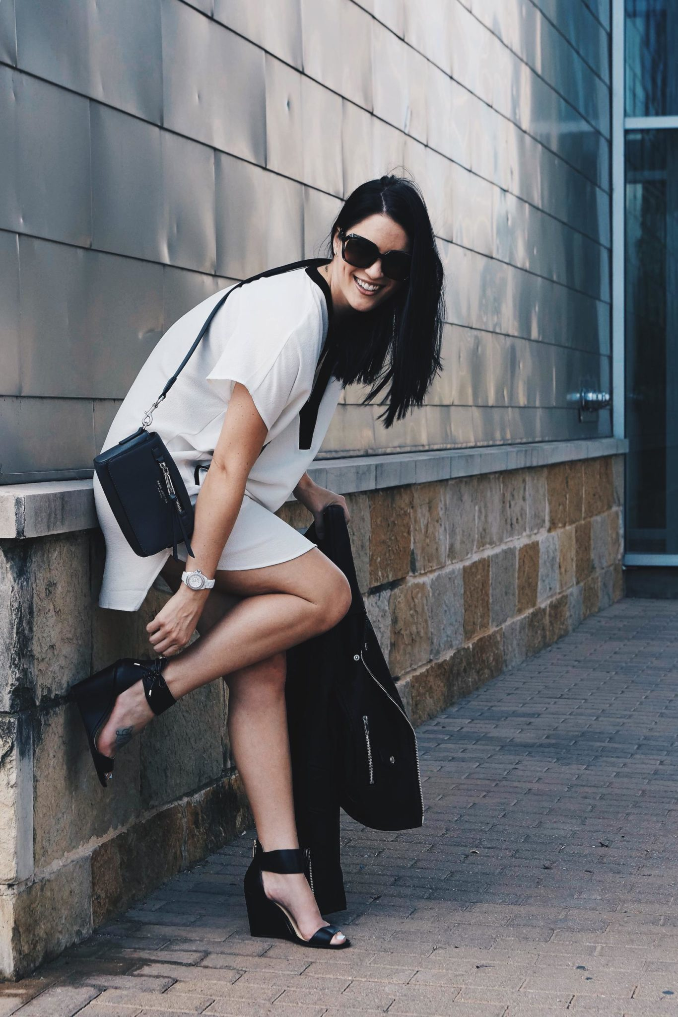 Transitioning Your Wardrobe from Summer to Fall | summer to fall style tips | summer to fall fashion tips | summer fashion tips | summer outfit ideas | summer style tips | what to wear for summer | warm weather fashion | fashion for summer | style tips for summer | outfit ideas for summer || Dressed to Kill
