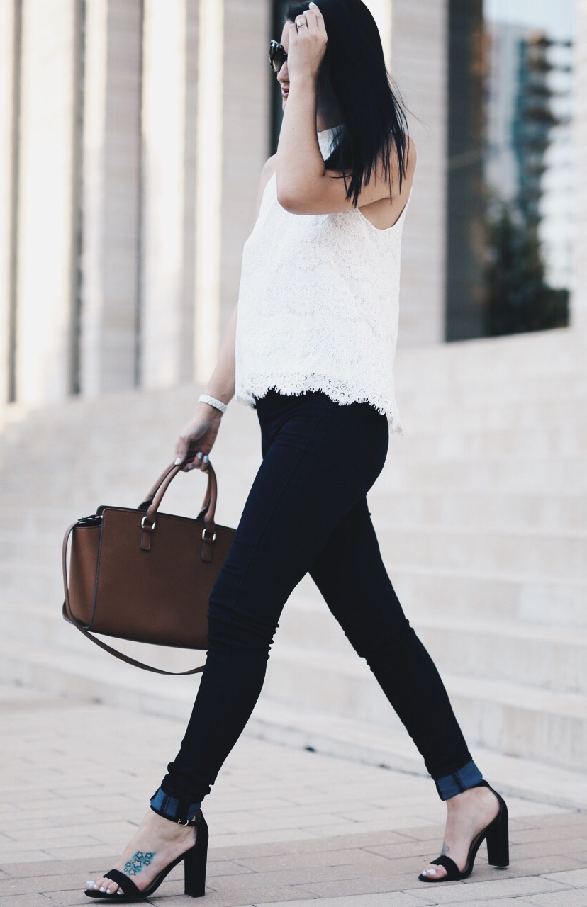 White Lace Top and Black Jeans | how to style a lace top | how to wear a lace top | lace top style tips | summer fashion tips | summer outfit ideas | summer style tips | what to wear for summer | warm weather fashion | fashion for summer | style tips for summer | outfit ideas for summer || Dressed to Kill