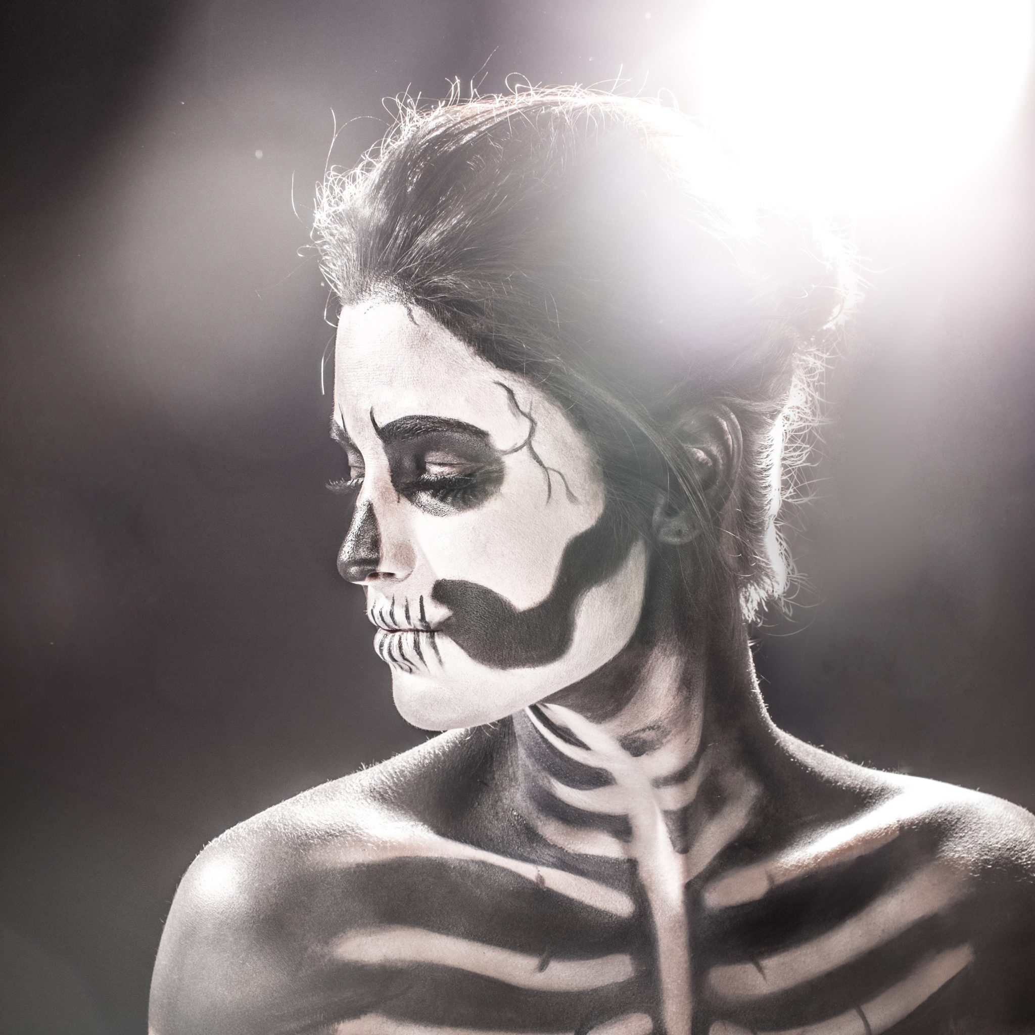 Skeleton Halloween Makeup | halloween makeup ideas | halloween costume ideas | how to do makeup for halloween | halloween inspired makeup ideas | makeup tips for halloween || Dressed to Kill