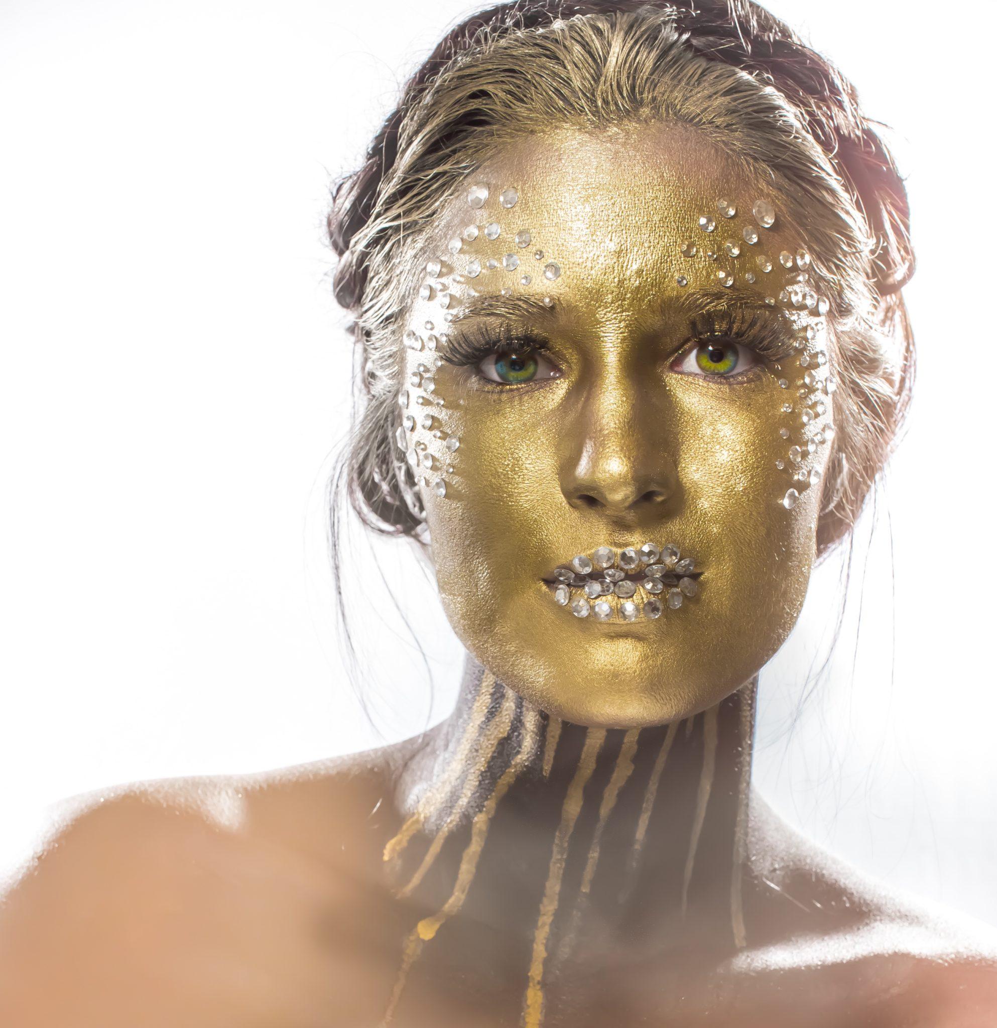 Gold Face Halloween Makeup