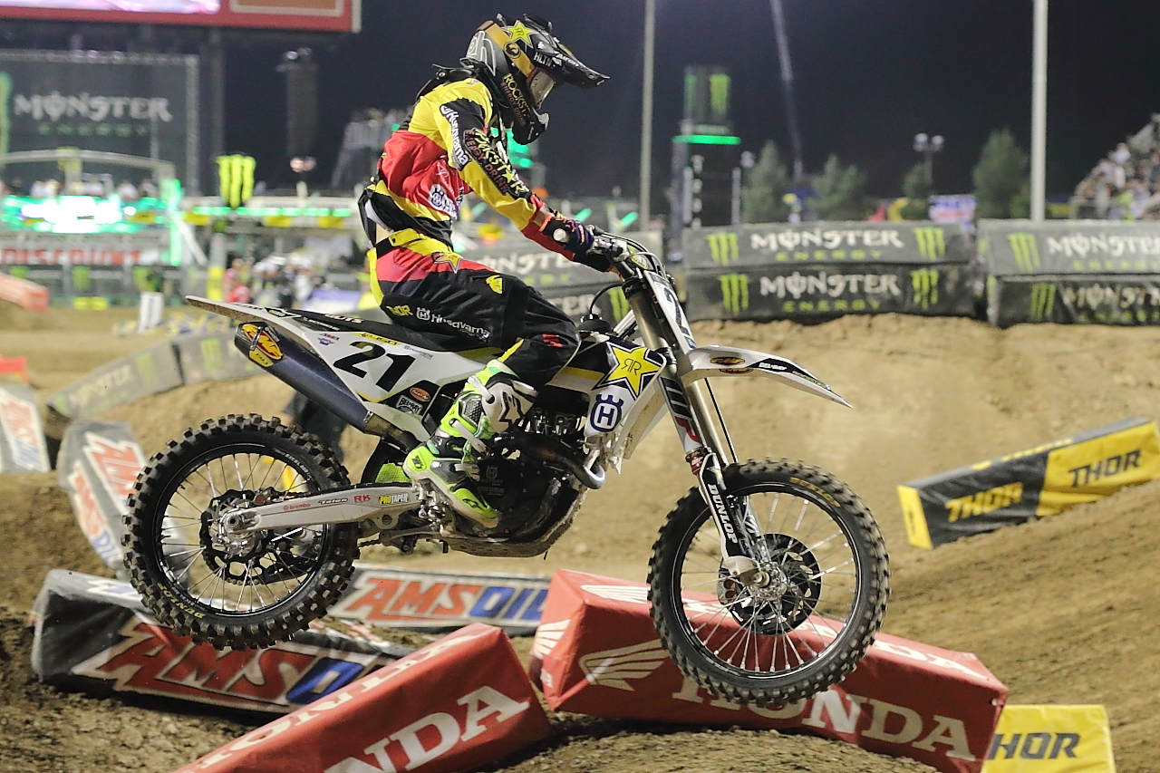 DTKAustin shares her experience at the last 2017 Supercross race in Las Vegas.