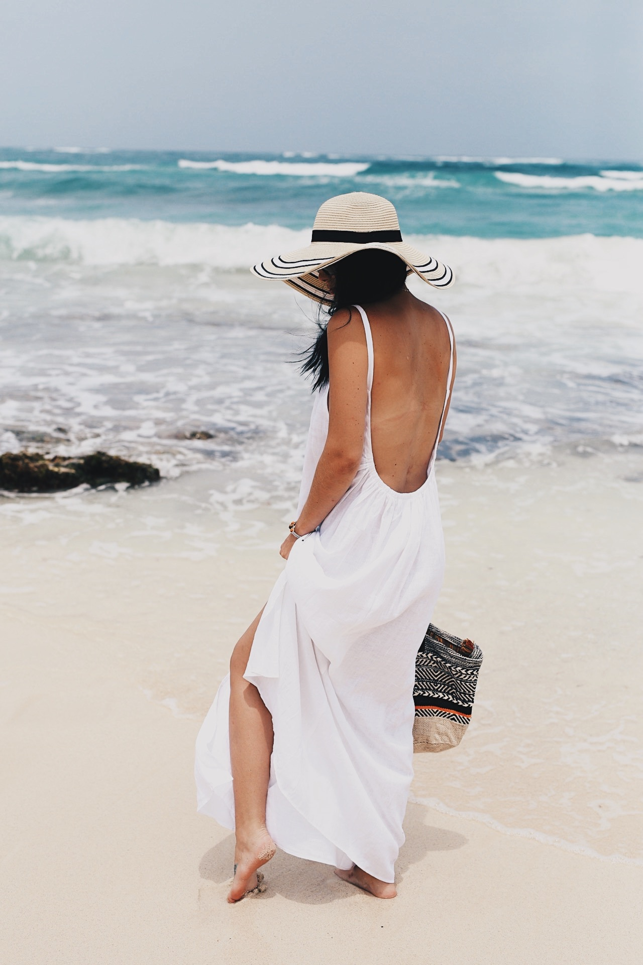 Must Have Affordable Maxi Dresses for your Summer Vacation - Dressed to Kill