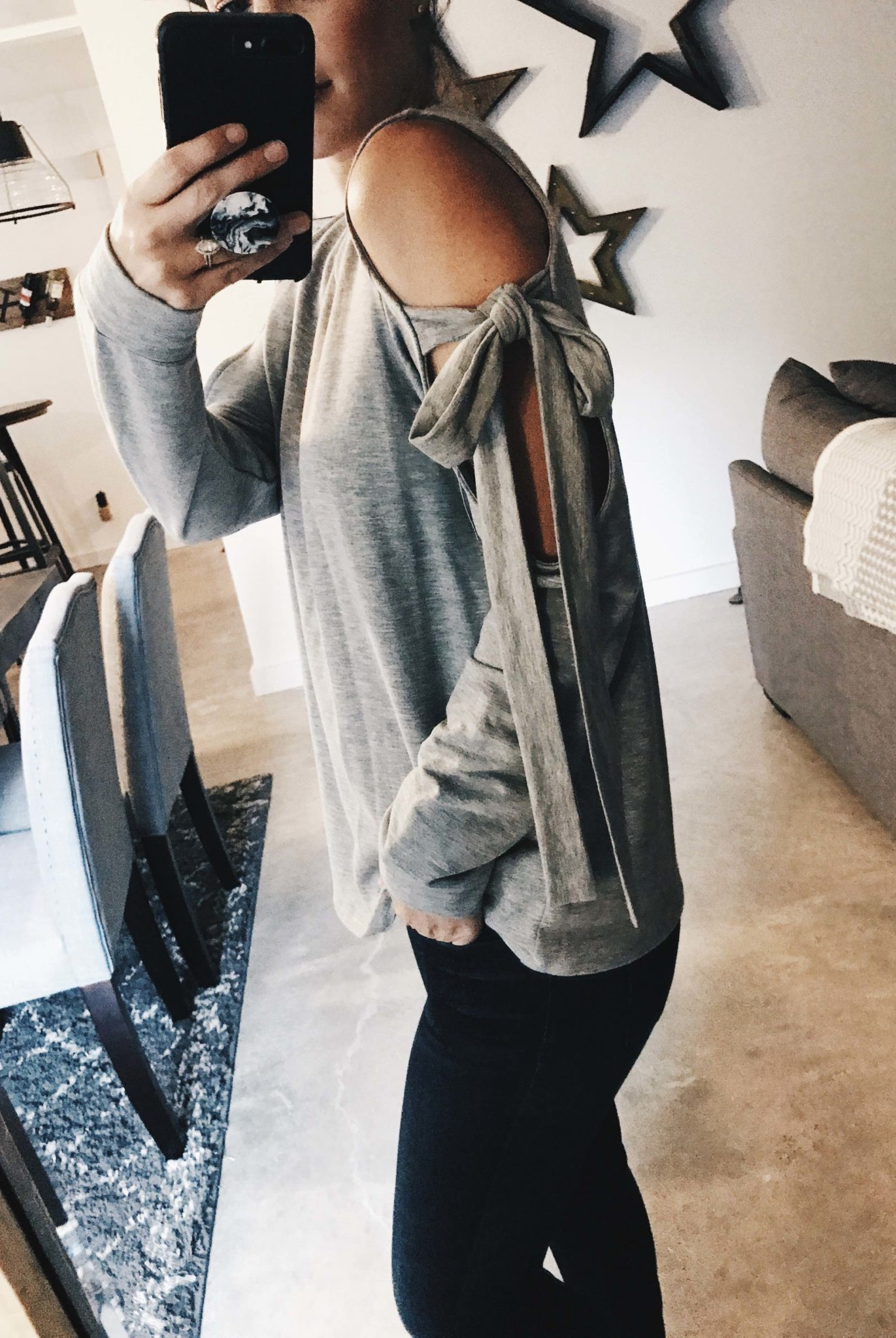 DTKAustin is sharing her top must-have pieces from the 2017 Nordstrom Anniversary Sale. This grey bow sleeve sweater is a Fall must! | nordstrom sale must haves | what to buy from the nordstrom anniversary sale || Dressed to Kill