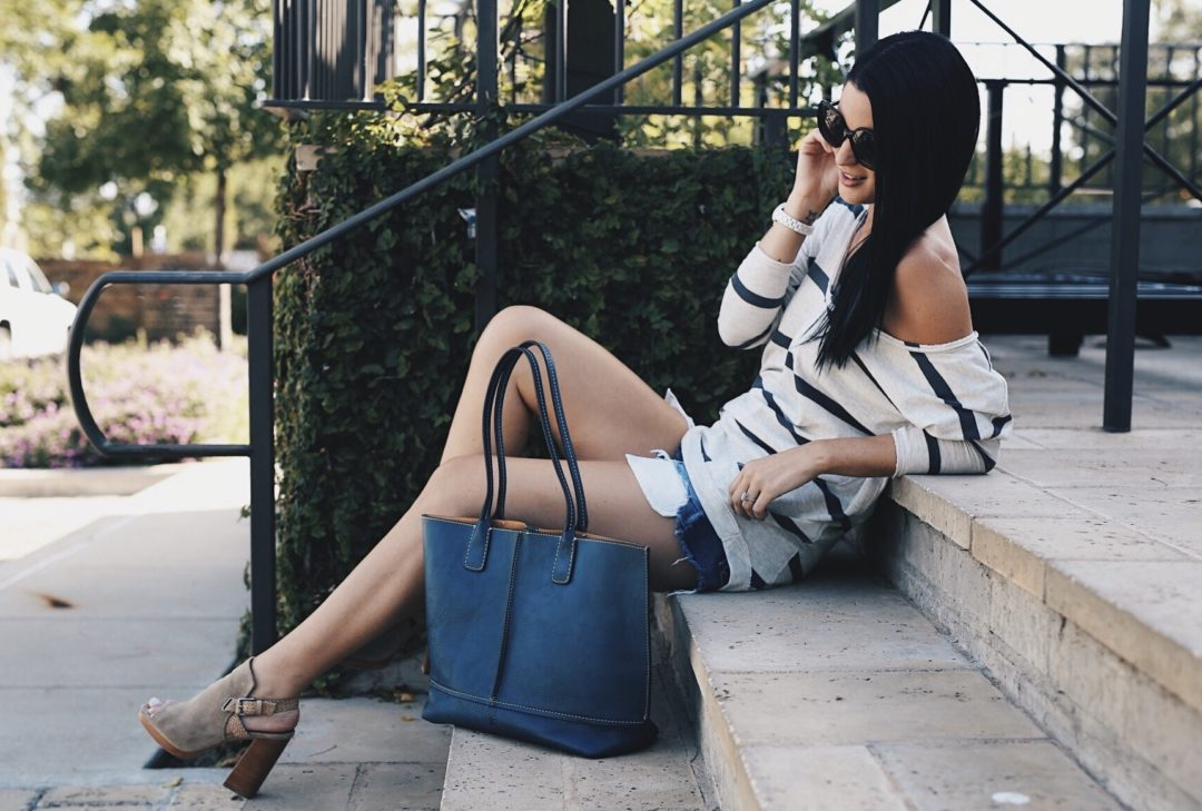 Austin Blogger DTKAustin is sharing how to pull off the off-the-shoulder trend with Free People and Zappos. Plus the best bag and shoes from Frye that will transition into Fall. Click for more details and photos!