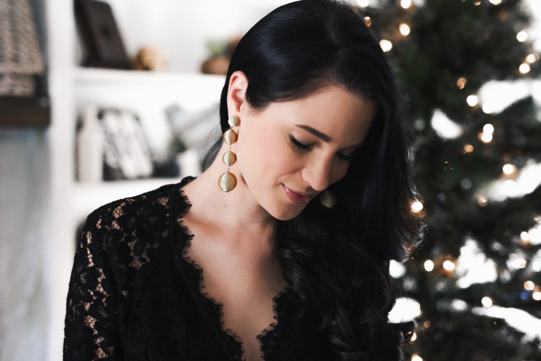 DTKAustin shares her go-to holiday jewelry with Baublebar. Save 25% with code GIFT25!