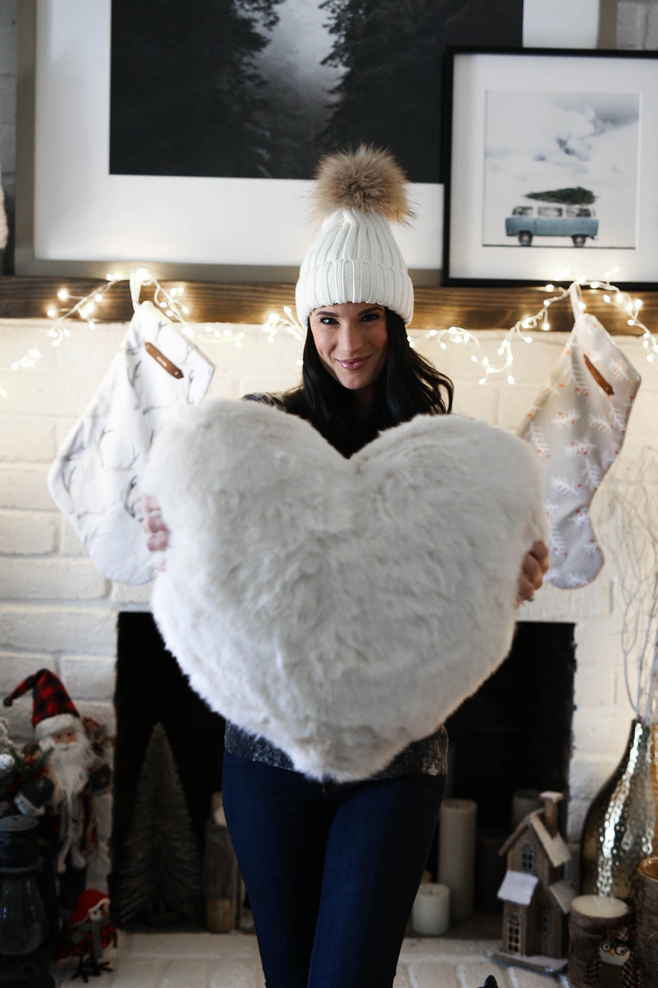 How I'm Giving Back This Holiday Season & Beyond | 7 Creative Ideas | holiday giving tips | ways to give back during the holidays || Dressed to Kill #givingseason #holidaygiving #giveback - 7 Ways to Give Back During the Holidays by popular Austin blogger Dressed to Kill