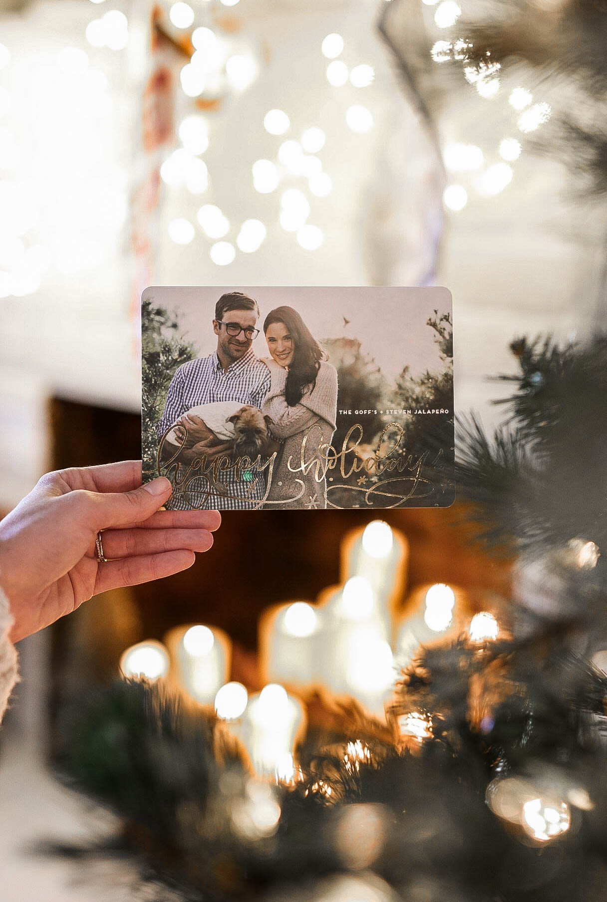 DTKAustin shares tips on how to take the best family holiday and Christmas cards with Minted. | holiday photo tips | family christmas photo tips | christmas card photo tips || Dressed to Kill #holidayphotos #christmascardtips #holidayphotoshoot - How to Take Better Christmas Card Photos by popular Austin style blogger Dressed to Kill