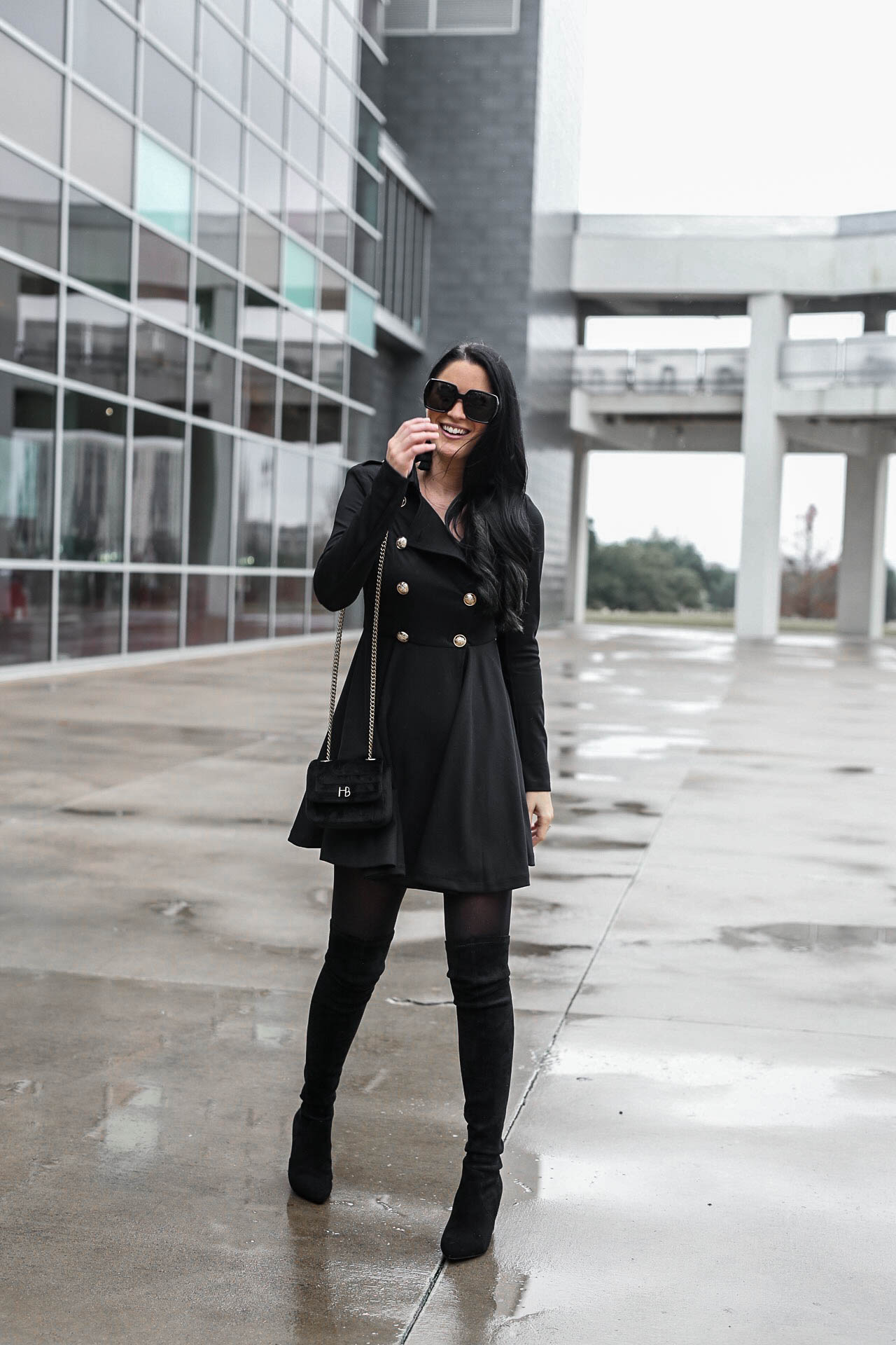 What Shoes To Wear With A Black Trench Coat - Tradingbasis