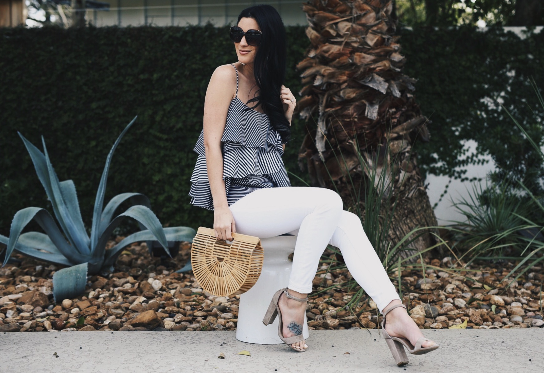 DTKAustin shares details on how to find the best pair of white denim. Madewell white skinny jeans from Nordstrom at an affordable price. - Finding the Perfect Pair of White Denim by popular Austin fashion blogger Dressed to Kill