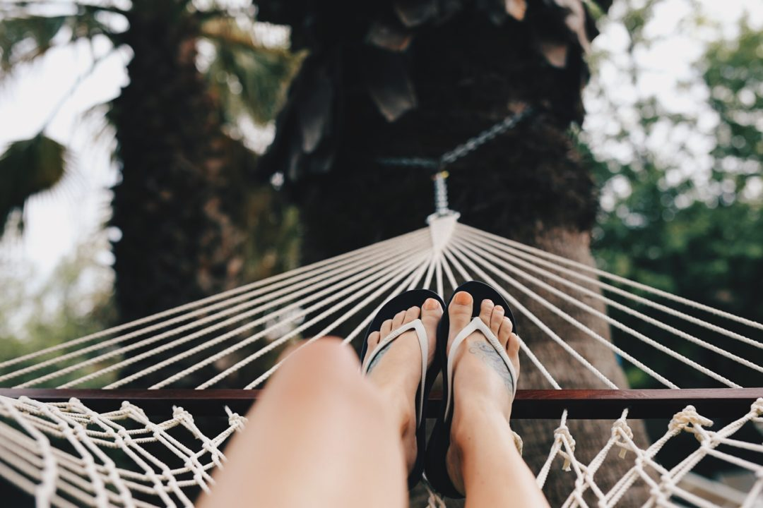 DTKAustin talks all about the most comfortable sandals for Summer; FitFlop from Zappos. - FitFlop for Summer styled by Austin fashion blogger Dresses to Kill