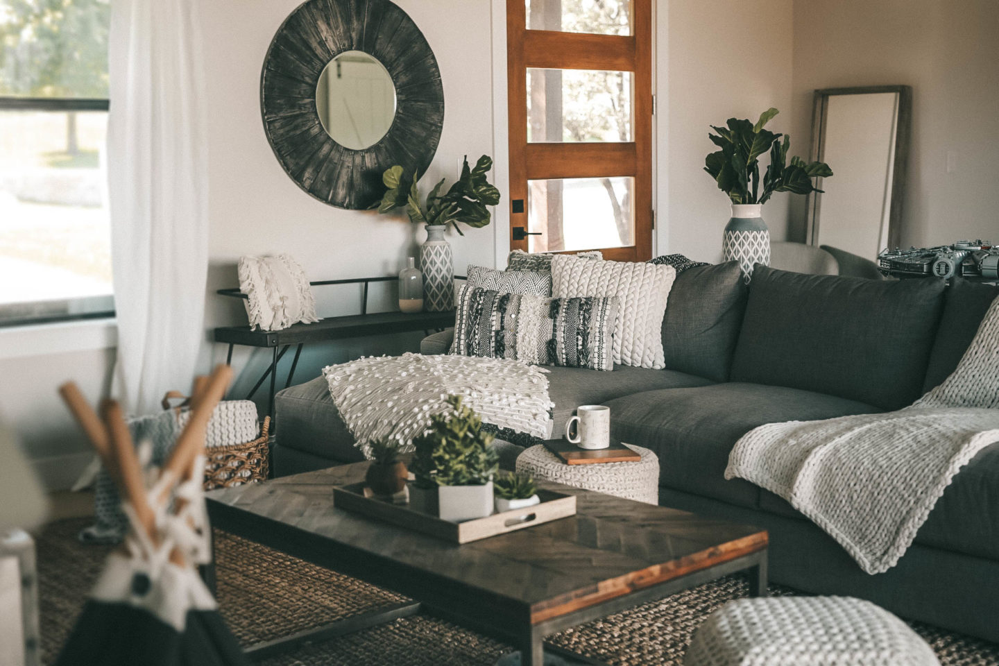 How to create a cozy living room - Dressed to Kill