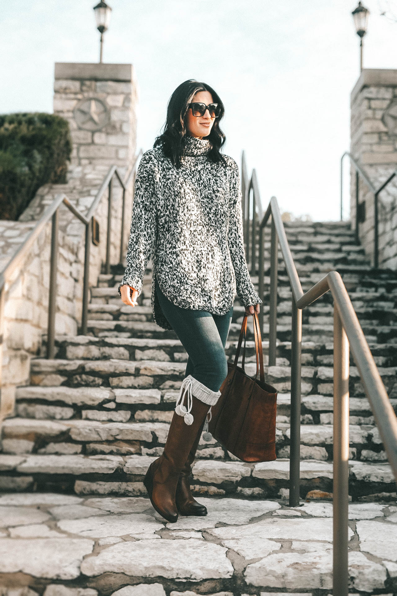 DTKAustin is sharing the best investment boots for Fall and Winter with Frye and Zappos. Ashley is wearing Knee high pom pom socks from UGG, skinny jeans from Levis, a chunky knit beanie from Sole Society, Melissa Frye Tote and a knit sweater from Nordstrom.    Dressed to Kill #winterboots #womensboots #fryeboots #dtkaustin