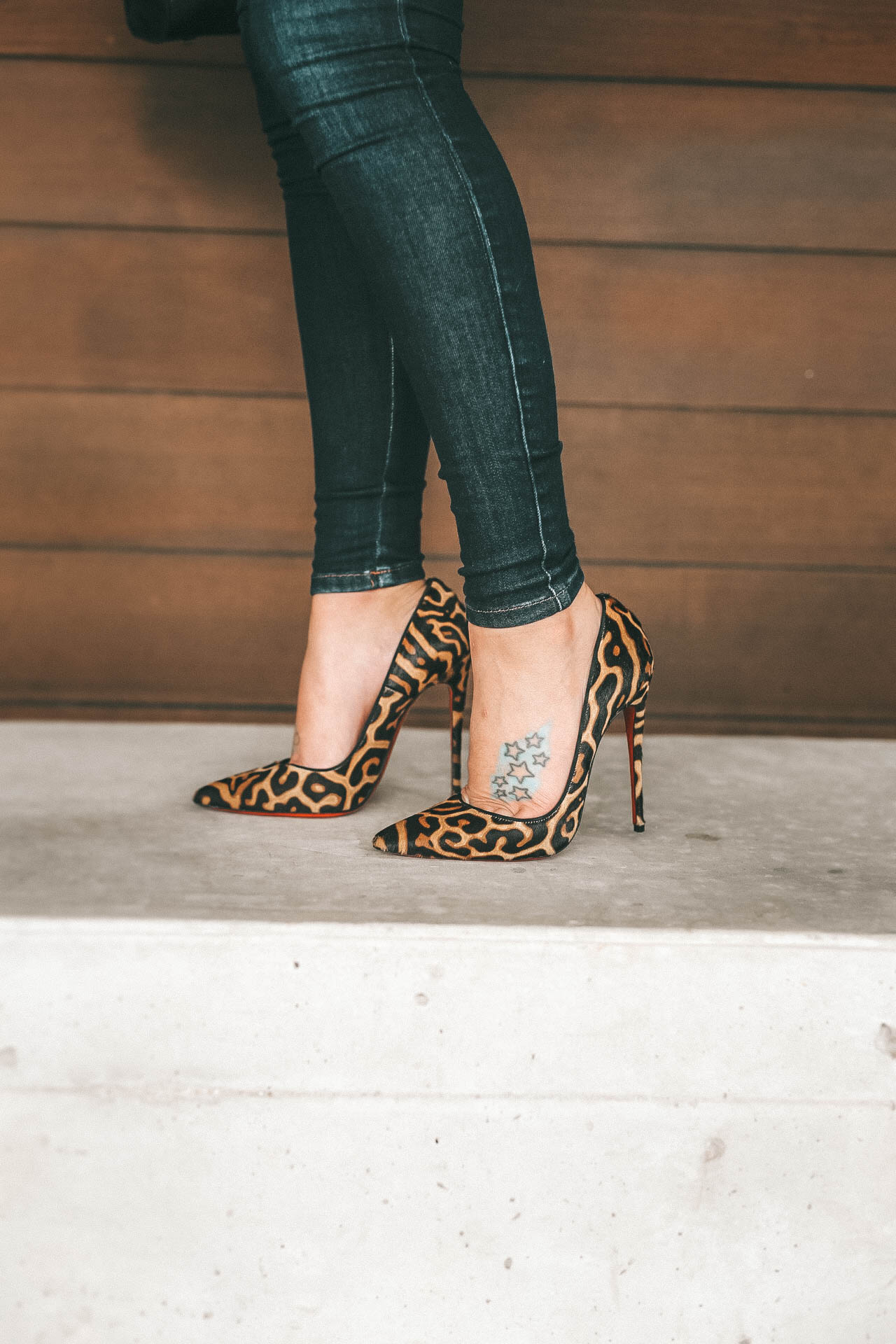 DTKAustin is sharing her 17 Must Have Leopard Print Pieces and Accessories for Fall Winter. Leopard Christian Louboutin Pumps | BlankNYC Faux Leather Moto Jacket | CamiNYC Channing Top|| Dressed to Kill #Leopardshoes #leopardprint #ChristianLouboutin #dtkaustin