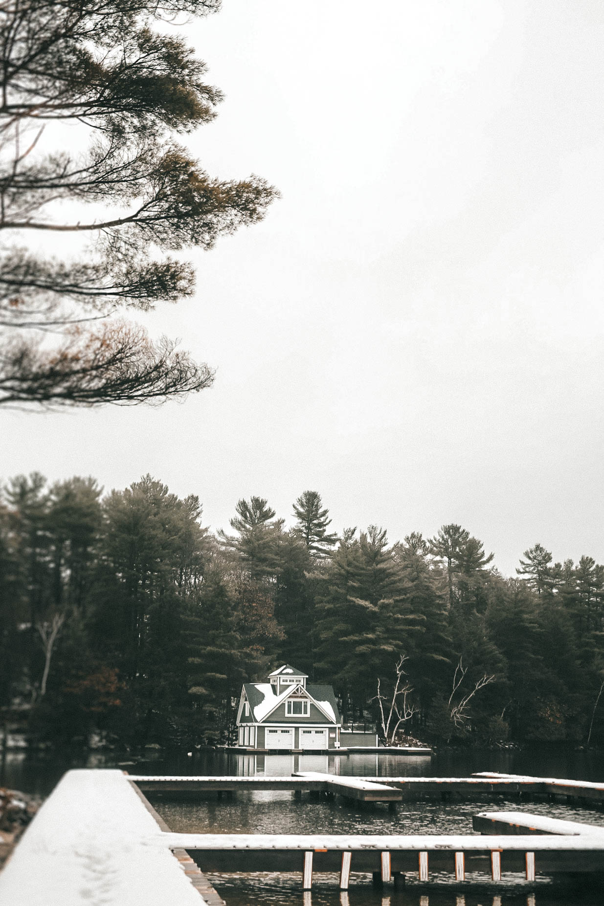 The Rosseau Muskoka featured by top US travel blog Dressed to Kill; Dock at a lake in Canada
