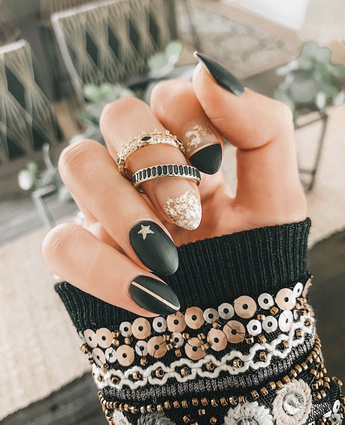 Nail Art Designs by popular Austin beauty blog, Dressed to Kill: image of a woman with holiday nail art.