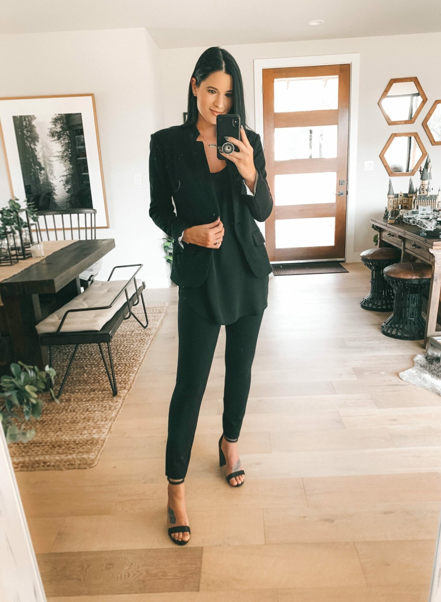 {How to Wear the Spanx Perfect Black Skinny Pants}